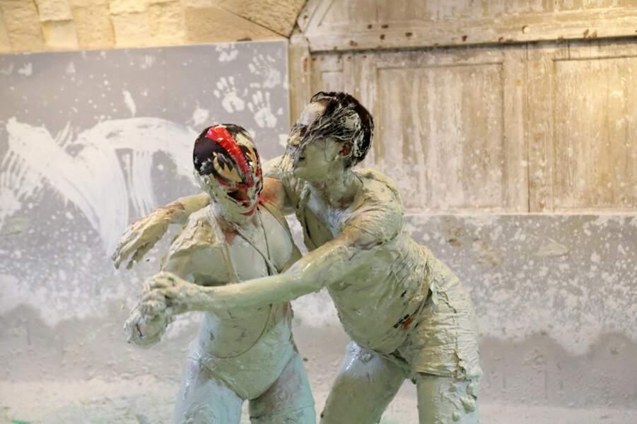 Corinne Coman affronte Lady Boo dans Fort Boyard, spécial Halloween