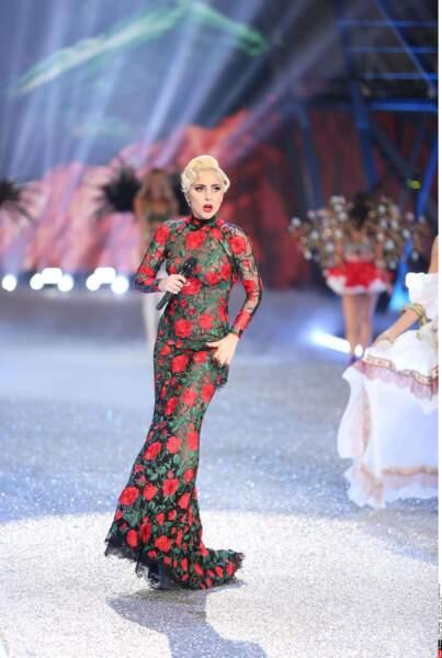 Au show Victoria's Secret, elle laisse la vedette aux mannequins !