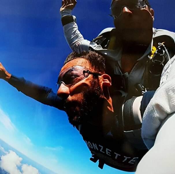 ... qui a aussi testé le saut en parachute au-dessus de la dune du Pilat !