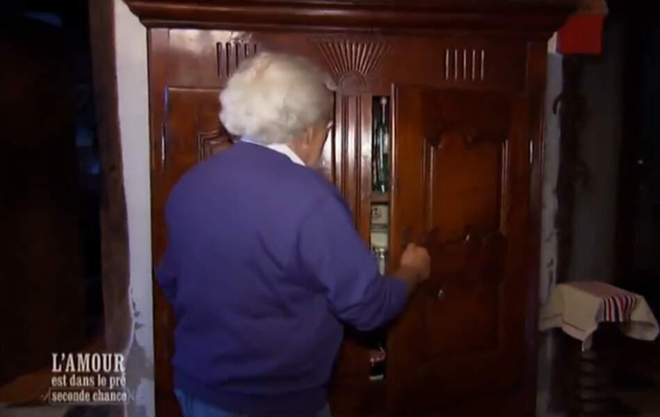 A moins qu'elle ne soit dans l'armoire...