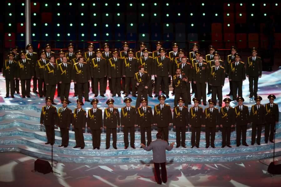 L'hymne russe chanté par les choeurs de l'armée rouge précédait du t.A.T.u et du Daft Punk... Choc des cultures