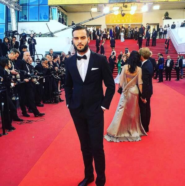 Nikola Lozina s'est fait chic pour fouler le tapis rouge