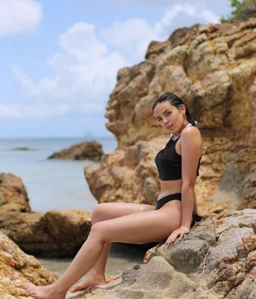 Et parce que la Corse ce n'était pas assez pour elle, la jeune femme s'est également envolée pour la Martinique !