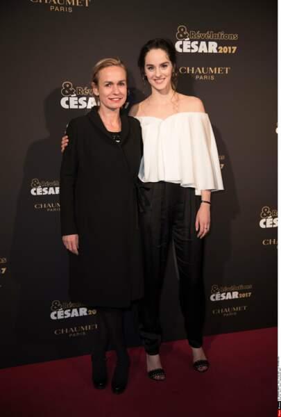 Sandrine Bonnaire et Noémie Merlant (Le ciel attendra) ont le sourire !
