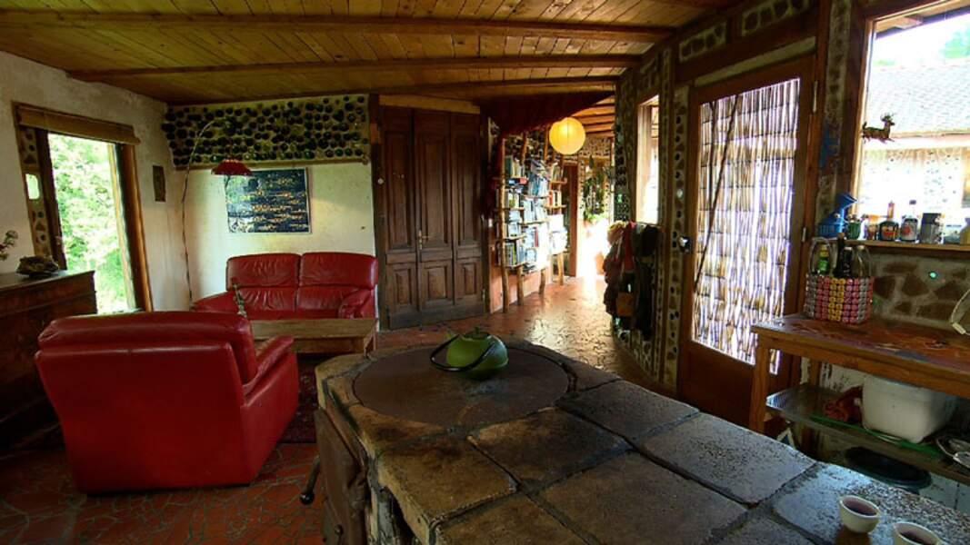 A l'intérieur de la Maison « Bouteilles » ... des bouteilles !