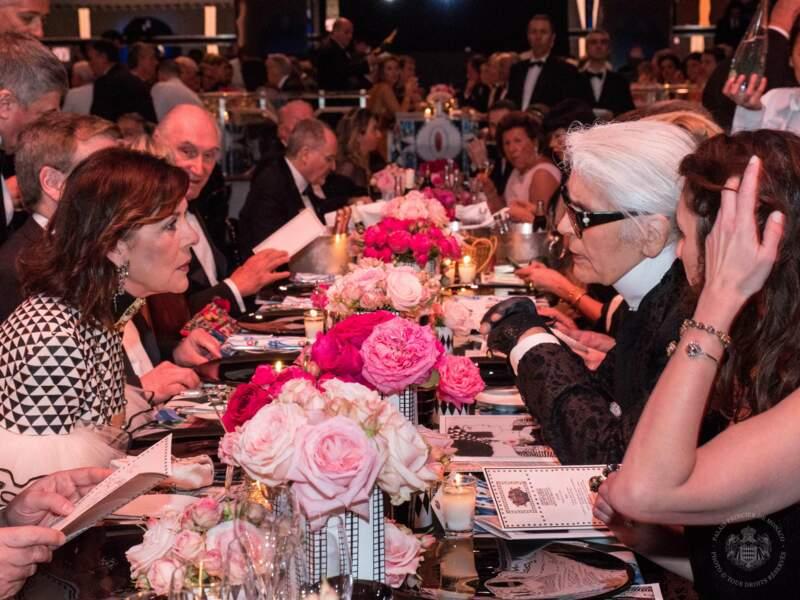 Caroline a conçu la soirée en compagnie de son ami Karl Lagerfeld