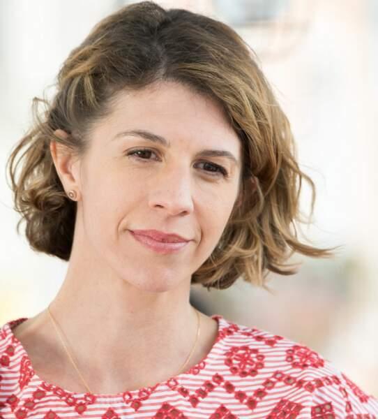 Dans le clan Lazzari, voici Sandrine, l'épouse de Laurence Moiret, jouée par la youtubeuse Juliette Tresanini