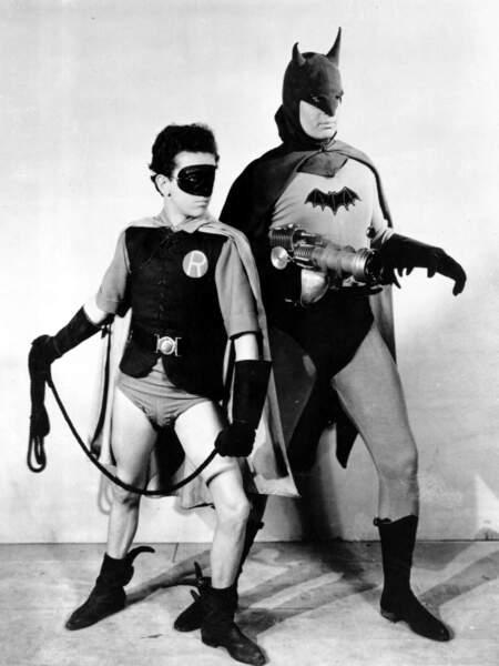 En 1943, Batman et son acolyte sont loin d'impressionner