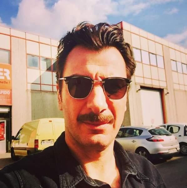 Et Michael Youn s'est fait une moustache pour son prochain rôle !