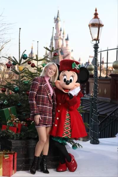 La chanteuse Zara Larsson avec Minnie