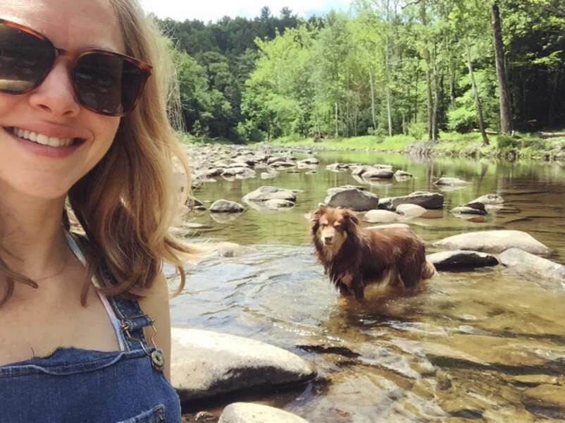Escapade en pleine nature et en bonne compagnie pour l'actrice Amanda Seyfried.