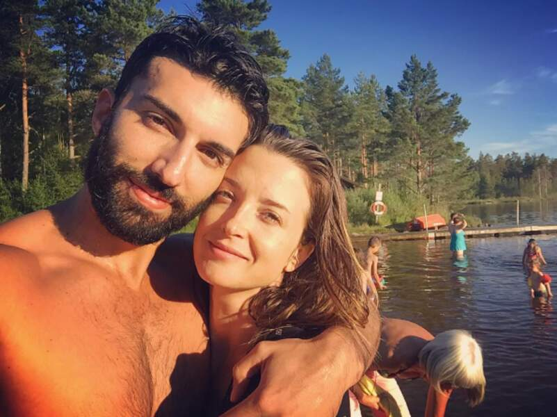 Justin Baldoni (Jane the Virgin) et son épouse Emily ont profité des longues journées estivales suédoises.