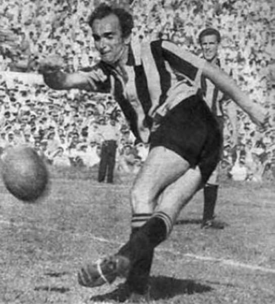 24. Oscar Miguez (Uruguay) 8 buts