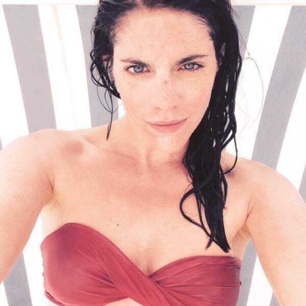 Le bikini rouge...