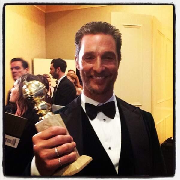 Point Golden Globes : Matthew Mcconaughey et son trophée