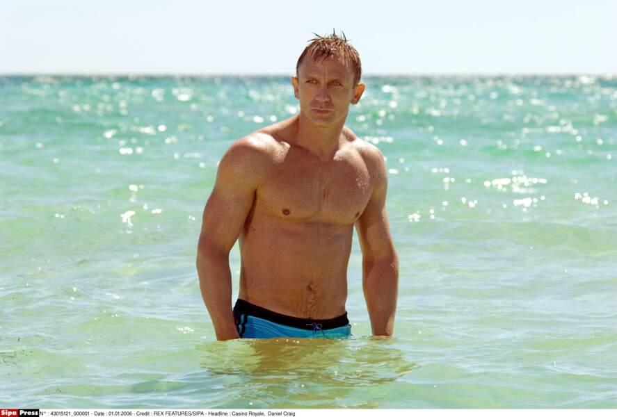 Daniel Craig et son célèbre boxer bleu dans Casino Royale (2006)