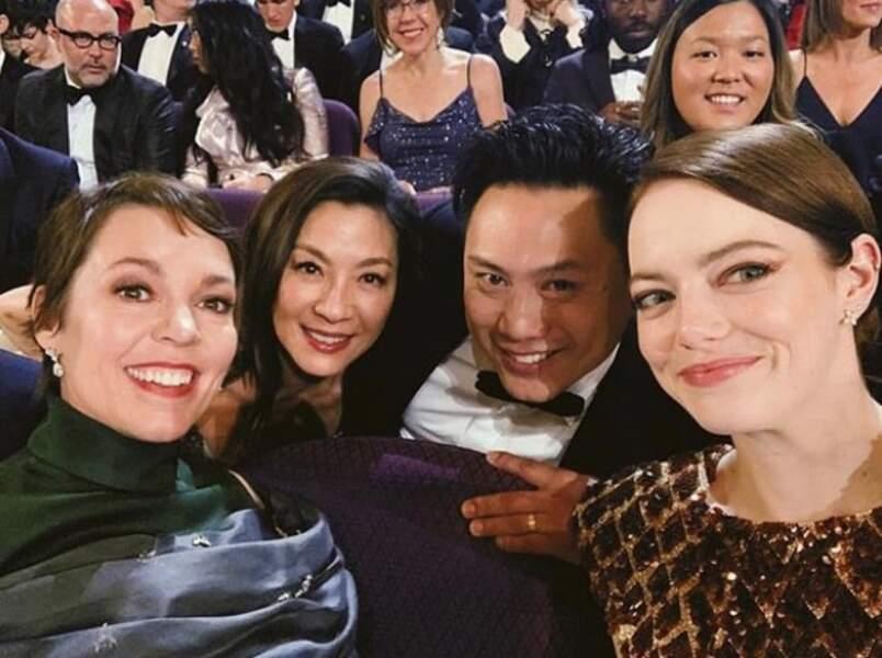 Petit selfie entres amis avec Emma Stone et Olivia Colman (Oscar de la meilleure actrice pour La Favorite)