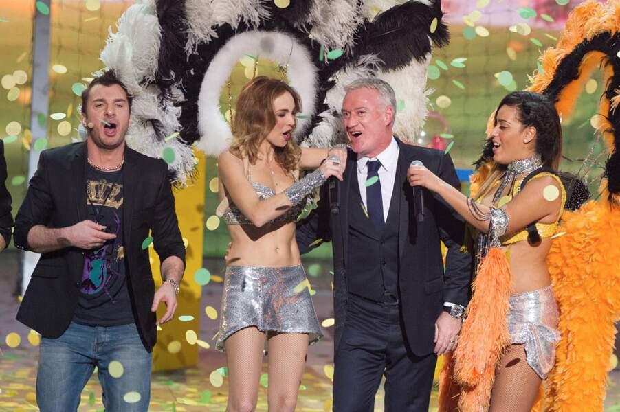 Amel Bent en danseuse brésilienne, c'est Didier Deschamps qui doit être ravi d'être venu !