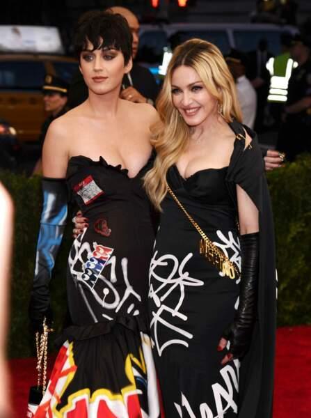 Madonna et Katy Perry ont dégainé des robes assorties même si cette dernière était surprenante avec sa coupe