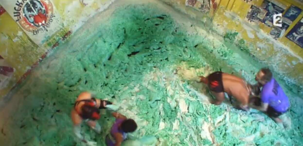 Petit bain de boue verte pour Nadège Beausson-Diagne et Vincent Desagnat