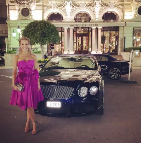 La vie à Monte-Carlo semble réussir à Julie Benz