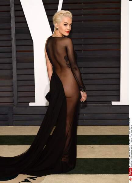 Avec cette robe, les sous-vêtements n'étaient pas une option pour Rita Ora