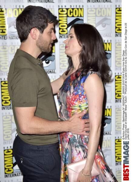 David Giuntoli et Elizabeth Tulloch, ont trouvé l'amour au travail, grâce à Grimm