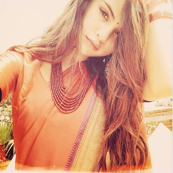 En vacances en Inde, Selena Gomez a goûté aux traditions locales...