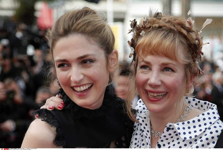 Le clan des Julie!  Julie Gayet, Julie Depardieu ravies de se retrouver!