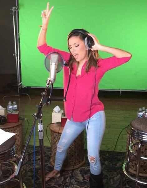 Quant à Eva Longoria, elle en a profité pour enregistrer son premier single