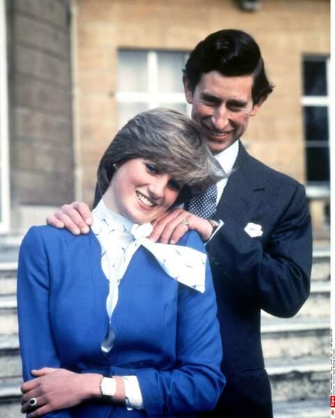 Mais le 24 février 1981, c'est avec lady Diana Spencer, oie blanche -et vierge- de 20 ans, qu'il se fiance