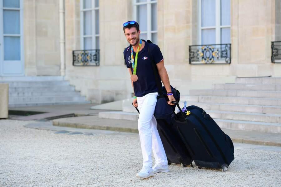 Le rameur Thibault Colard n'a même pas eu le temps de défaire ses valises. C'est pas une vie, ça !