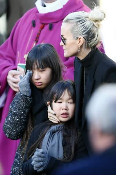 Jade et Joy, bouleversées par la disparition de leur papa.