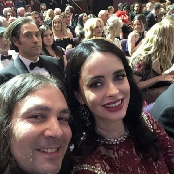 Krysten Ritter a dévoilé son baby bump sur le tapis rouge des Oscars