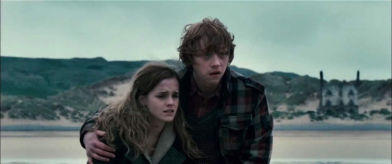 Très proches dès leur rencontre, les deux adolescents vont finalement laisser éclater leur amour.