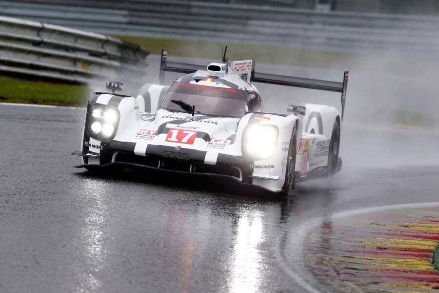 Porsche détient le record de victoires au Mans (16). Cette années, la marque engage trois 919 Hybrid (V4 essence).