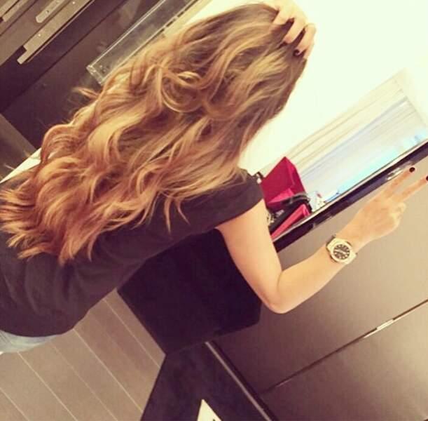 Dernièrement, elle a troqué sa longue chevelure brune contre...