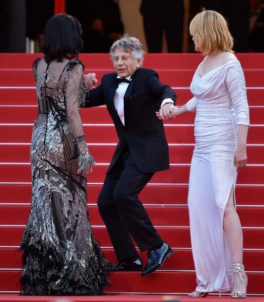 """""""Allez les filles, vite ! On va louper la projection du film !"""""""