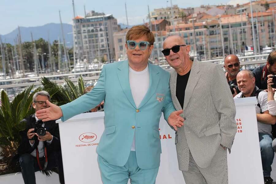 Aux côtés d'Elton, son parolier Bernie Taupin