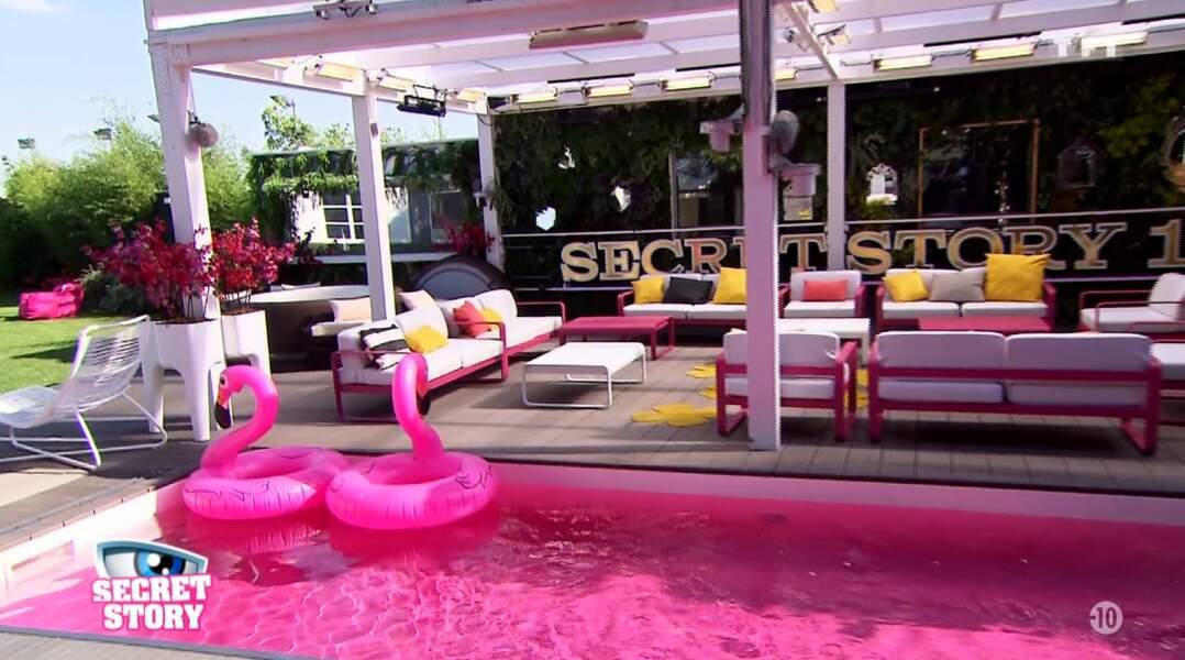 Bon, la piscine rose, ça donne pas trop envie, hein