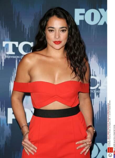Natalie Martinez a joué des rôles principaux dans les séries Secrets and Lies et Kingdom