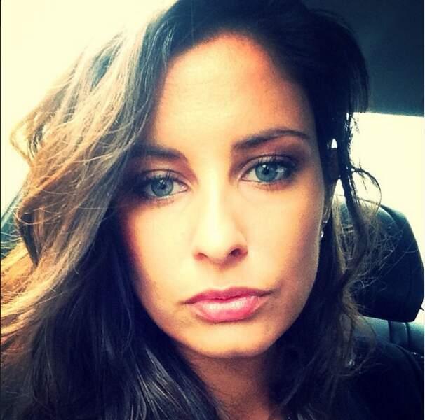 Sympa le selfie de Malika Ménard. Quels yeux !