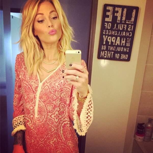 Caroline Receveur est aussi une vraie fashionista, qui affiche son look et ses astuces beauté sur Instagram