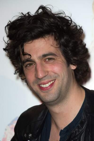 38. Max Boublil (@max_boublil) - Acteur, chanteur et comédien (410 398 followers)