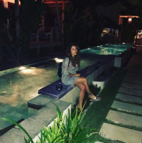 Anaïs Camizuli a l'air super heureux d'être à Lombok.