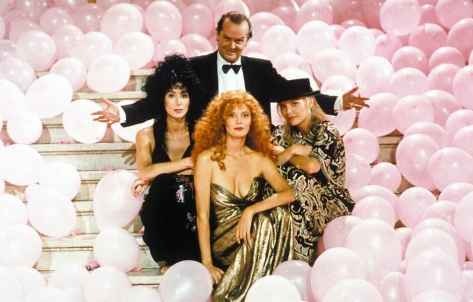 Avec des sorcières (bis) : Cher, Susan Sarandon, Michelle Pfeiffer et Jack Nicholson dans Les sorcières d'Eastwick