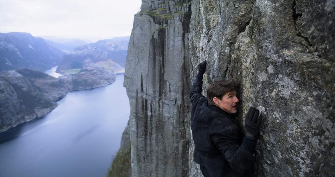 Les mains ne sont pas oubliées ... Tom ne lache rien! Ici à Preikestolen, en Norvège.