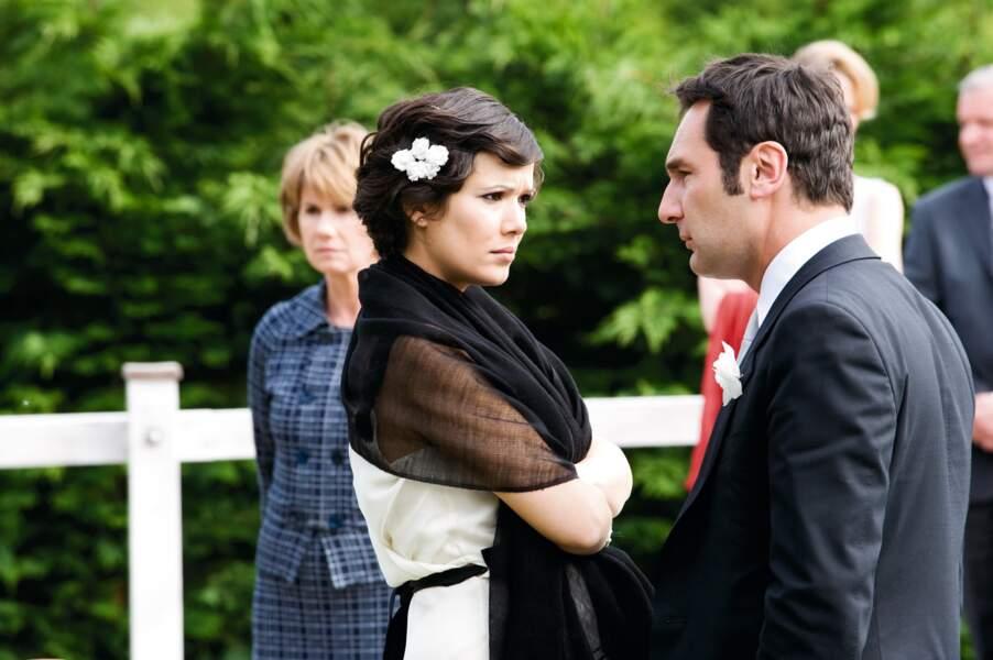 Alors en couple avec Gilles Lellouche, elle lui donne la réplique dans Une petite zone de turbulences (2010)