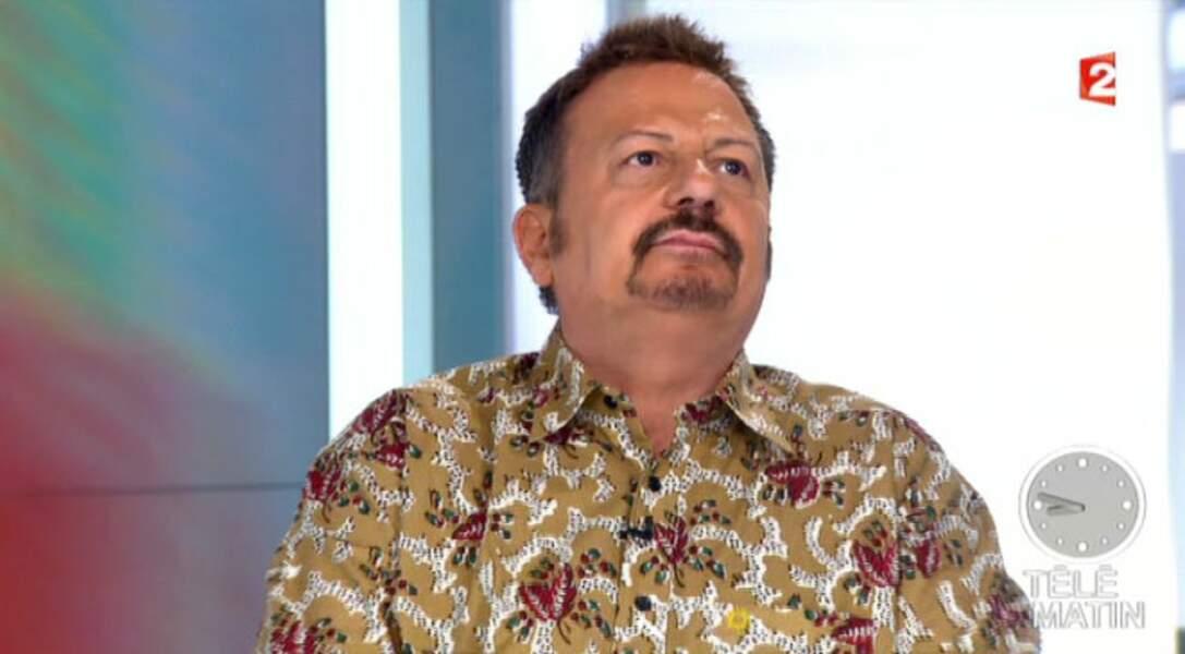 Flop : La chemise très originale d'Henri-Jean Servat
