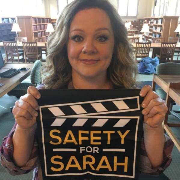 ... ou honorant la mémoire de la regrettée comédienne Sarah Jones.